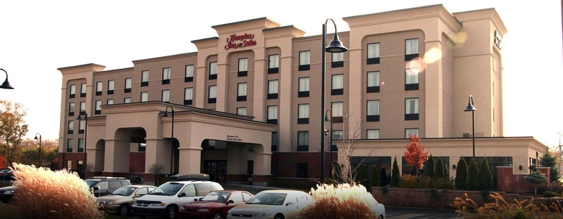 Picture of EstablishmentHôtel Hampton Inn & Suites by Hilton Laval