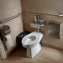 Toilette mixte au rez-de-chaussée de la Villa