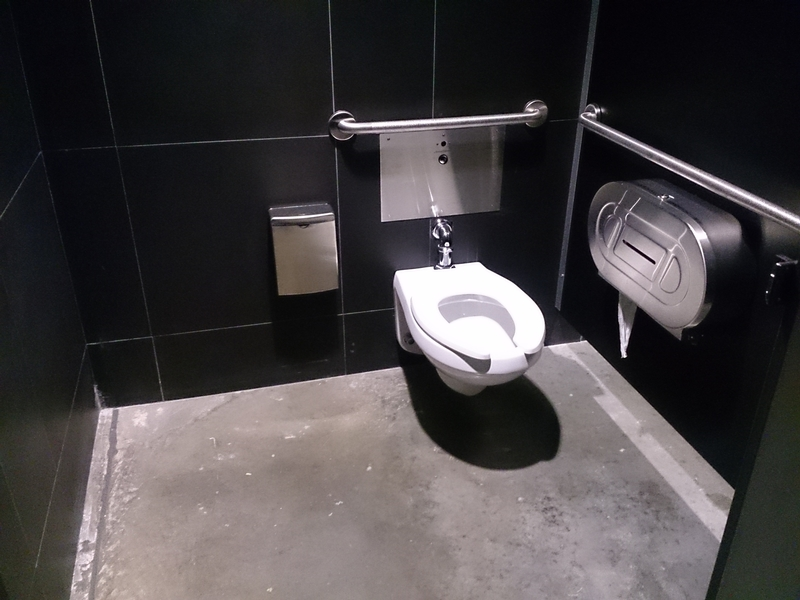 Cabinet accessible - Toilette hommes