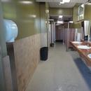 Salle de toilette près de l'entrée du site