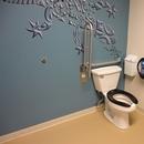 Salle de toilette universelle / située dans l'Aquarium Odyssée Pacifique Sud