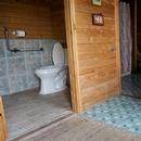 Vue d'ensemble de la salle de toilette