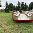 Balade en tracteur accessible (la rampe d'accès n'est pas installée sur la photo)