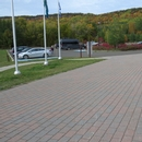 Parcours extérieur du stationnement vers l'entrée