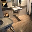 Salle de toilette femmes du Bistro l'Arrivage