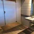 Salle de toilette hommes du Bistro l'Arrivage