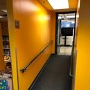 Rampe d'accès menant à la salle d'animation