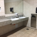 Gare fluviale de Godbout_Salle de toilettes