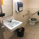 Salle de toilette accessible - Rez-de-chaussée