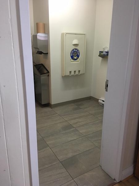 Salle de toilette accessible