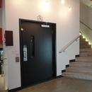 Plate-forme élévatrice pour accéder à la bibliothèque et au musée