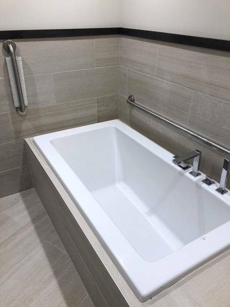 Chambre accessible - Salle de bain