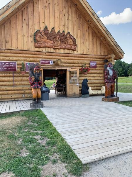 Entrée boutique Camp du Bucheron - Terre des pionniers