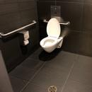 Cabinet accessible - Salle de toilette hommes près de la salle Octave-Crémazie