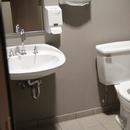 Salle de toilette mixte non-accessible du 2ième étage
