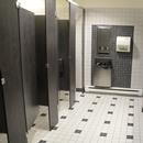 Salle de toilettes femmes - niveau 1