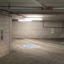 Garage - 2 stationnements intérieurs avec allée latérale