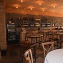 Restaurant et comptoir du bar
