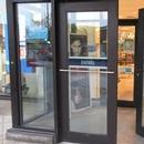 Porte d'entrée avec ouvre-porte automatique