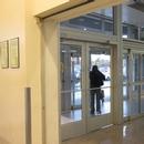 Vestibule d'entrée/sortie - centre commercial