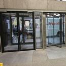 Porte d'entrée principale de la rue Sherbrooke