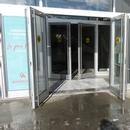 Porte d'entrée avec ouvre-porte automatique #6 du centre commercial