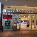 Entrée de la pharmacie via le centre commercial