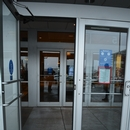 Porte de l'entrée du centre commercial
