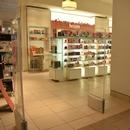Entrée de la pharmacie depuis le centre commercial