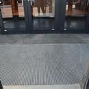 Porte de l'entrée Saphir du centre commercial