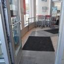 Porte de l'entrée de la pharmacie