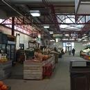 Comptoirs de vente de fruits et légumes - allée centrale