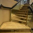 Escaliers pour se rendre aux toilettes