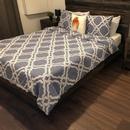 Chambre accessible #1 avec zone de transfert sur le côté du lit